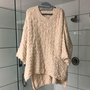 Umgee SOFT cream 3/4 length sleeve sweater/poncho